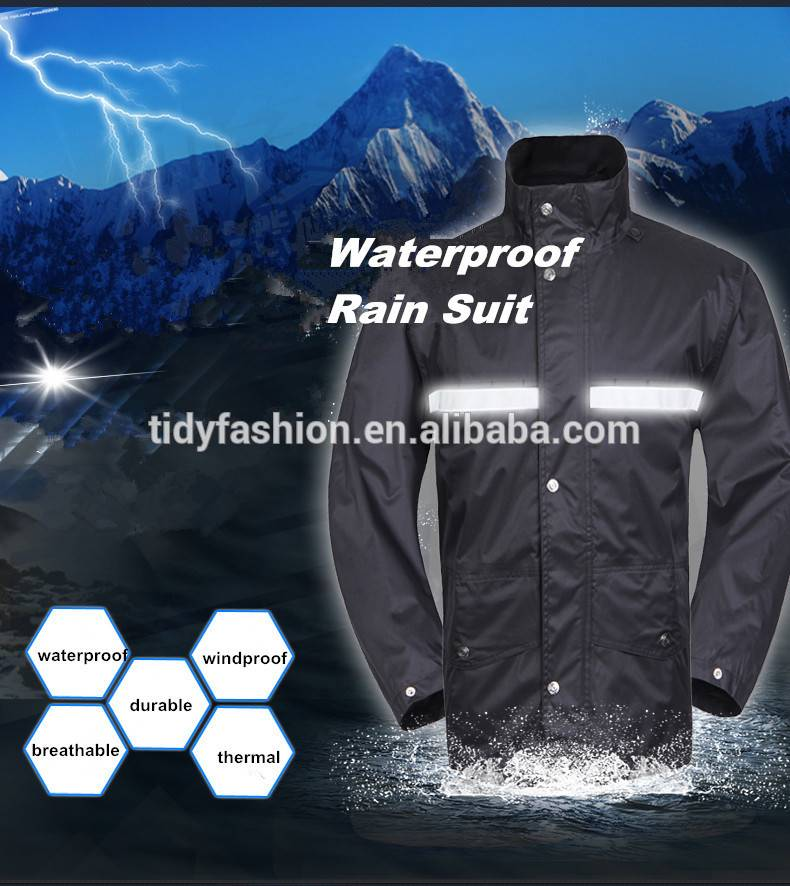 Plastic Waterproof Breathable Polyester Rain Suit for Men