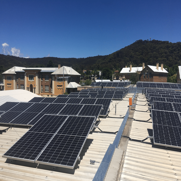 In the heart of NSW coal country, Lithgow turns to rooftop solar and Tesla battery storage