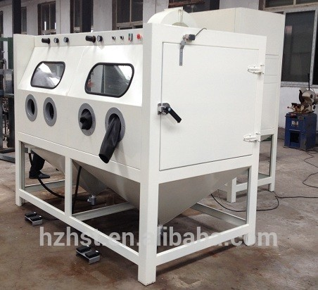 Long type sand blasting cabinet wtih two blasting guns