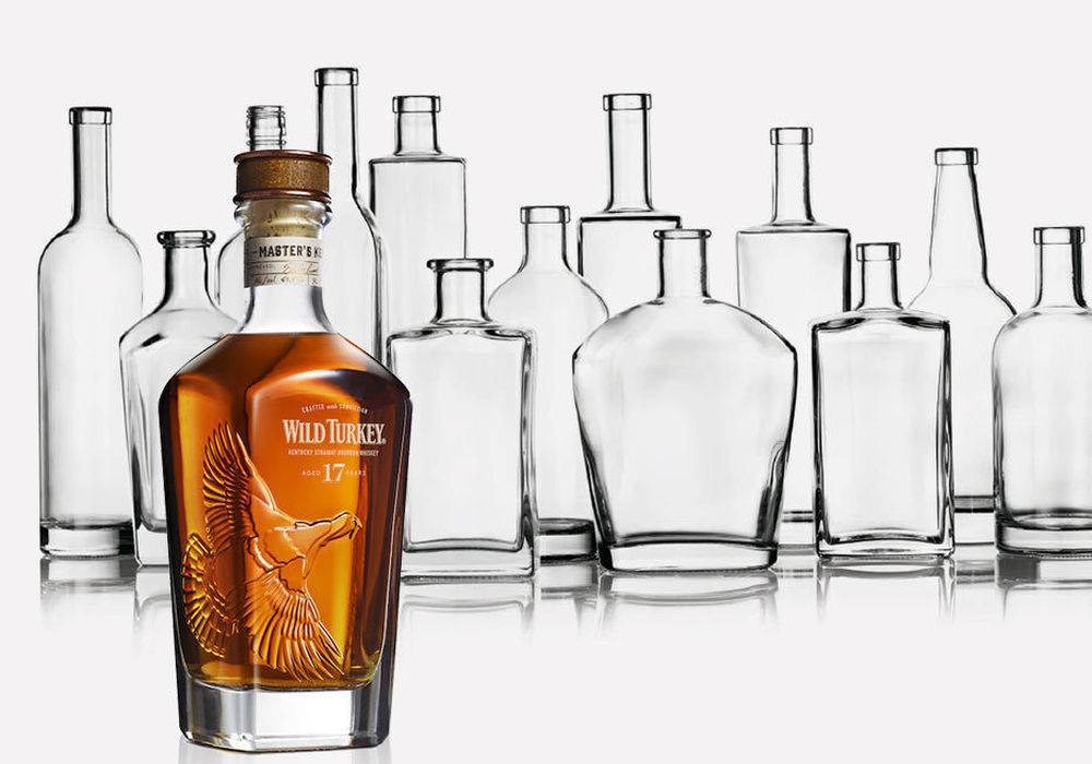 1. The grippable neck shape and classic styling composes this bottle old-fashioned appeal.  2. Perfect for Wine, Spirits, Vinegars, Oils and more liquid, even as a gift or carry for travel.  3. It uses high quality, safe and healthy glass material to manufacture, lead free and Eco-friendly.