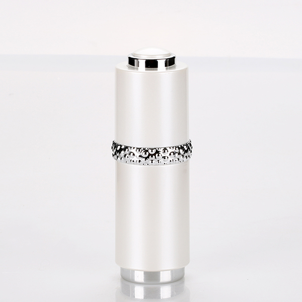 15ml Top Grade Acrylic Small Cosmetic Container Custom Oil Bottle with Dropper Featured Image
