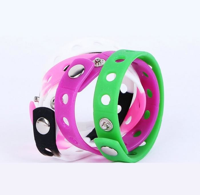 Promotional holes style  adjustable  bracelets ,  Colored Rubber Bracelets Metal Button