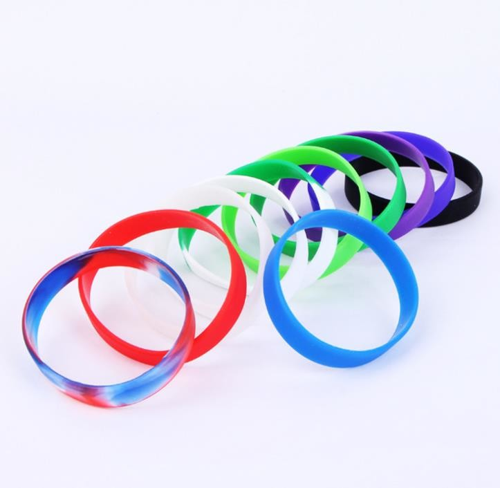 Presents Silicone Rubber Bracelets , Personalised Silicone Wristbands Elastic