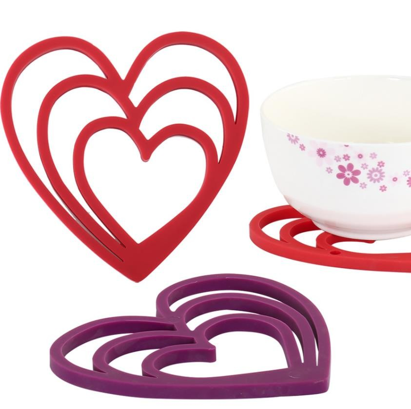 Heart Shape Silicone Eating Utensils Environmental 15.5*16cm 66g