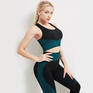 Women's 3 piece yoga wear set full sleeves zip up crop top with sports bra + gym leggings