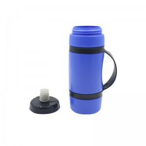 Reusable No BPA Plastic Sports and Fitness Squeeze Pull Top Leak Proof Drink Spout Water Bottles BPA Free customized logo and color
