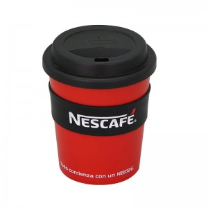 Customized 350ml plastic travel coffee mug with silicone sleeve