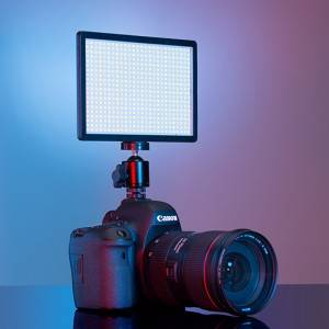 Which of the LED fill light or flash has better shooting effect?