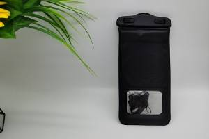 waterpoof bag in black color