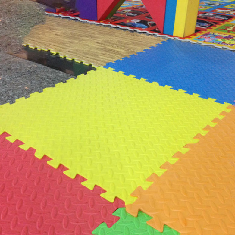 Wholesale EVA foam mat with leaf pattern floor mat interlocking mat