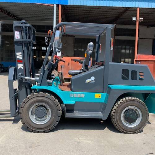 3 ton 4WD rear steering Forklift Trucks