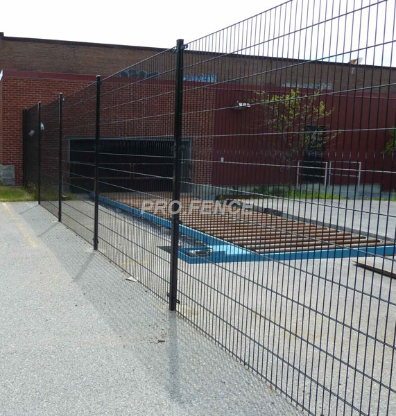 3D-curved-welded-wire-mesh-fence