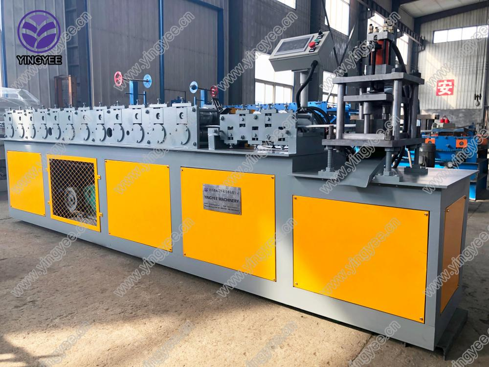 Customer used steel shutter door roll forming machine