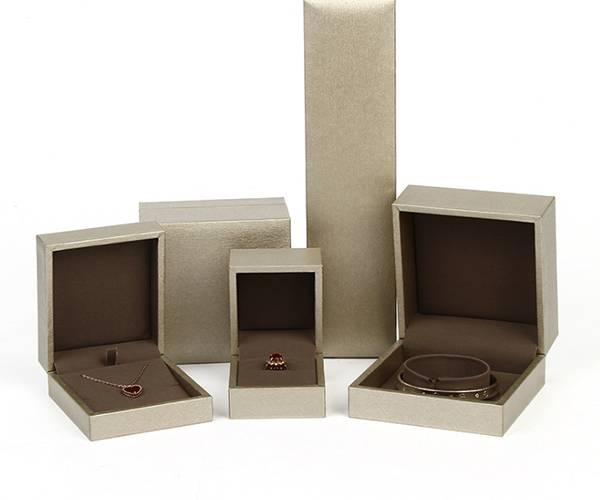 Customized pearlescent color surface various embossed jewelry gift box set Featured Image