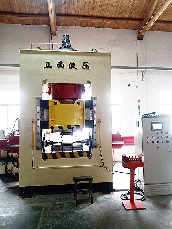 800T cold forging machine