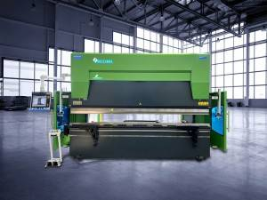 ACCURL 3200mm x 135 Tons 6-Axis Hybrid Servo CNC Press Brake
