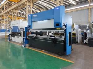 Accurl 4axis 110T/4000 CNC Press Brake with Delem DA-58T Control