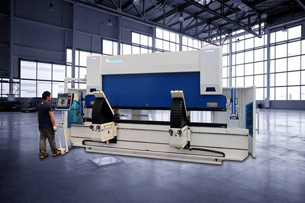 How does a Accurl Top Customization Multi-axis CNC Press Brake Work?