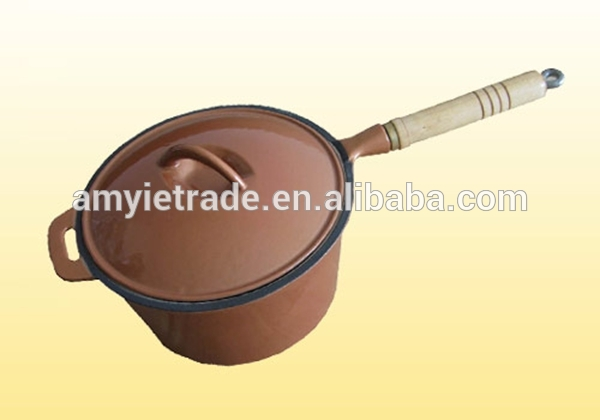 Wooden Handle Cast Iron Saucepan