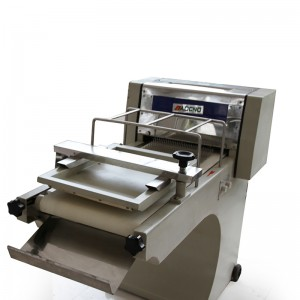 Toast forming machine
