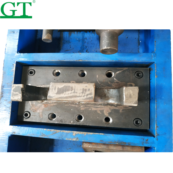 Top Suppliers Bulldozer Undercarriage Parts - 250T 300T Hydraulic Track Press for the Assembly Disassembly of Track Chains – Globe Truth