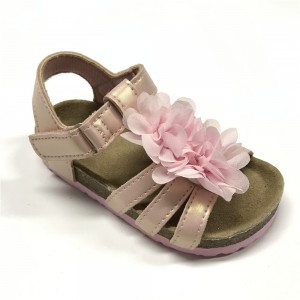New Design Pu Upper Flower Decorated Foot-Bed Sole Girls Kids Beautiful Sandals