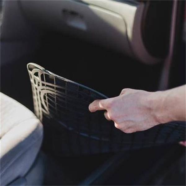 Up to 38% of car accidents every year are caused by car floor mats. How to choose car mats?