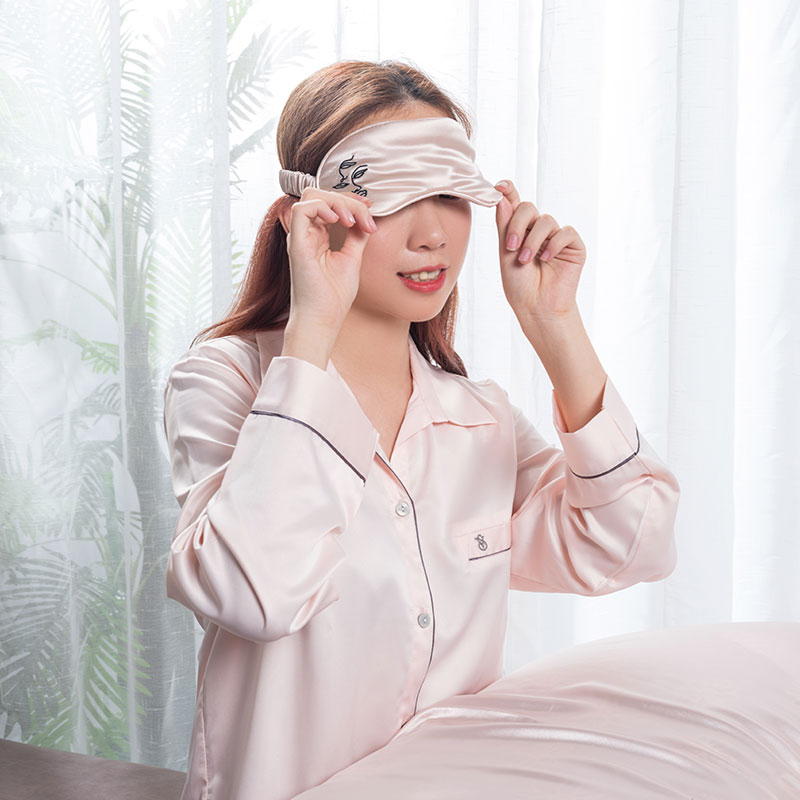 Print design silk eye mask Featured Image