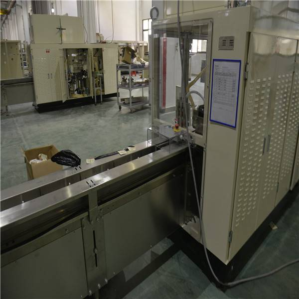L6.3m X W1.5m X H2.0m  2500KG 0.8Mpa Sanitary Pads Packaging Machine Featured Image