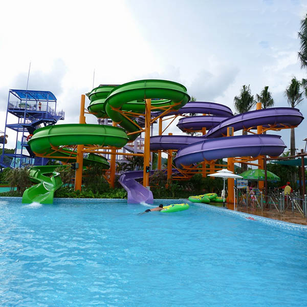 Wholesale Discount Water Play Umbrella Waterfall - Aqua Park Equipment Enclosed spiral slide – GFUN detail pictures
