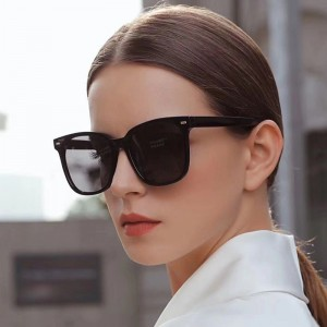2021 Sun Glasses Vintage Plastic Eyewear Large Square Frame UV400 Lentes Oversized Shades Sunglasses For Women And For Man