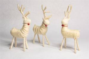 Classic white reindeer wool decor