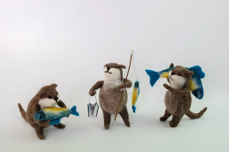 Factory source Tiny Felt Animals - Felt fishing beaver ornament – Handiwork