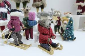 Super Purchasing for First Christmas Ornaments - Needle felt happy colorful animals in winter – Handiwork