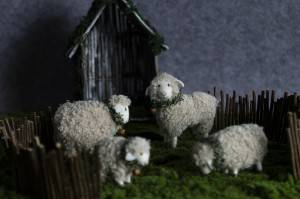 Wholesale Dealers of Felted Wool Animals For Sale - Cute felt sheep ornament – Handiwork