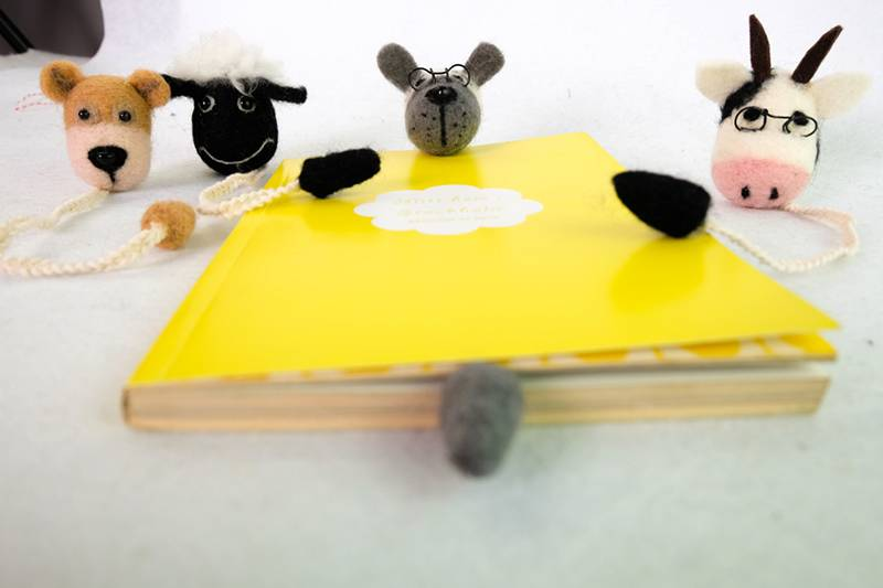 Handcraft animal head bookmark