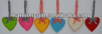 High Quality for Colored Stone - Item 6703 non-woven fabric hearts with hem, with ribbon – Harmony