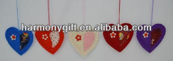 Manufacturer of Love Stone - Item 6702 thick non woven fabric hearts with patch, with rope – Harmony