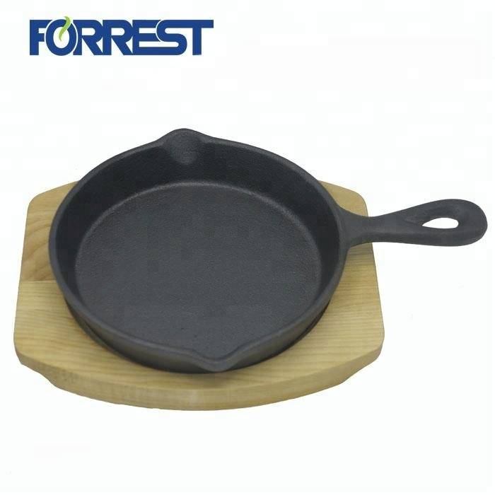 China Factory for Iron Frying Pan - Cast iron frying pan and skillet cookware with long handle – Forrest