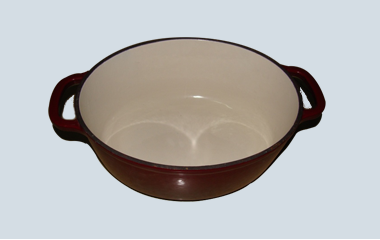 Cast iron pot size 20cm by enamel coating.