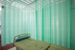 Integral mesh disposable curtains