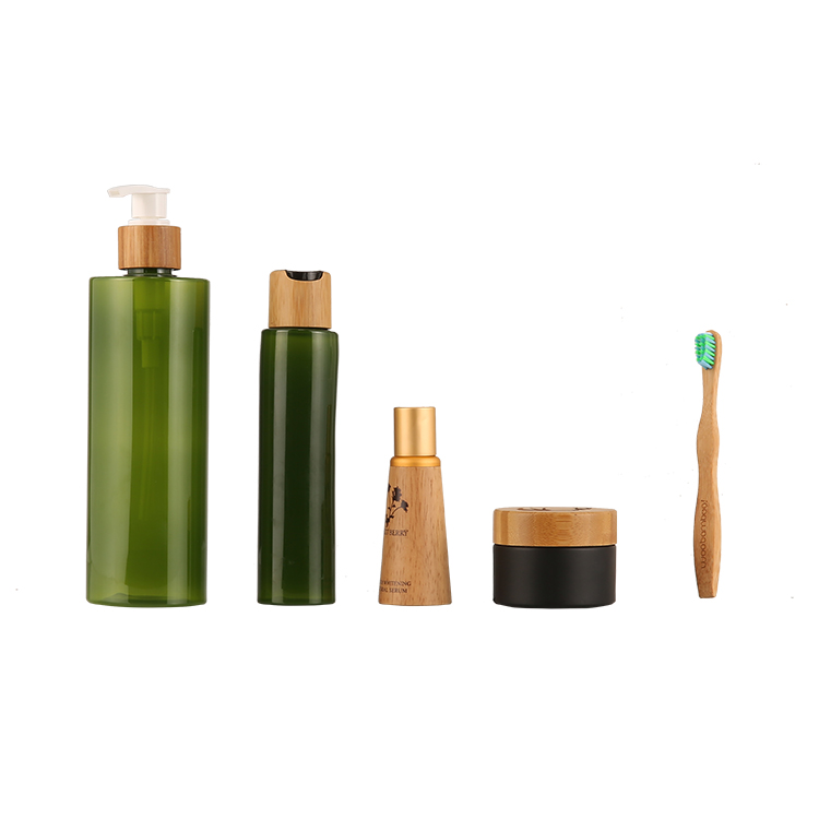 Biodegradable Addtive PET Packaging Bottle Match With Hand Made Bamboo Pump Dispenser