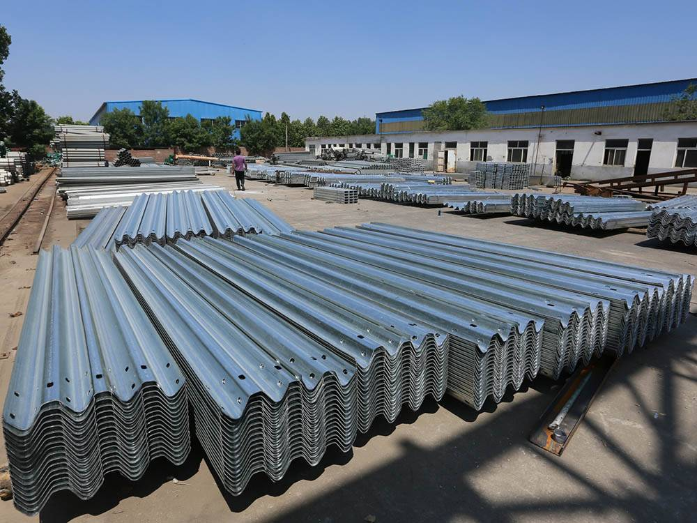 Factory wholesale Steel Highway Guardrails - W beam guardrail – Huiquan detail pictures