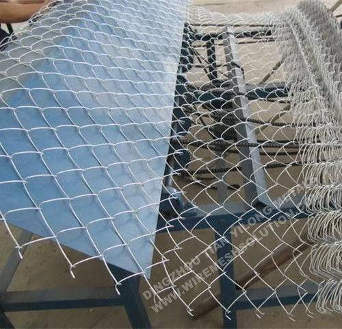 Hot Dipped Galvanized Wire Mesh Fencing Barbed Selvages