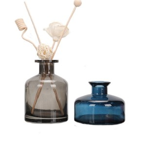 Stained glass aromatherapy diffuser bottles for decoration