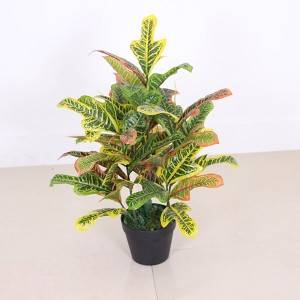 2020 New Factory Direct High Quality Codiaeum Plastic Tree For Decoration