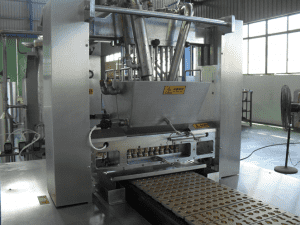 Semi automatic soft candy making machine 50kg per hour soft candy production line
