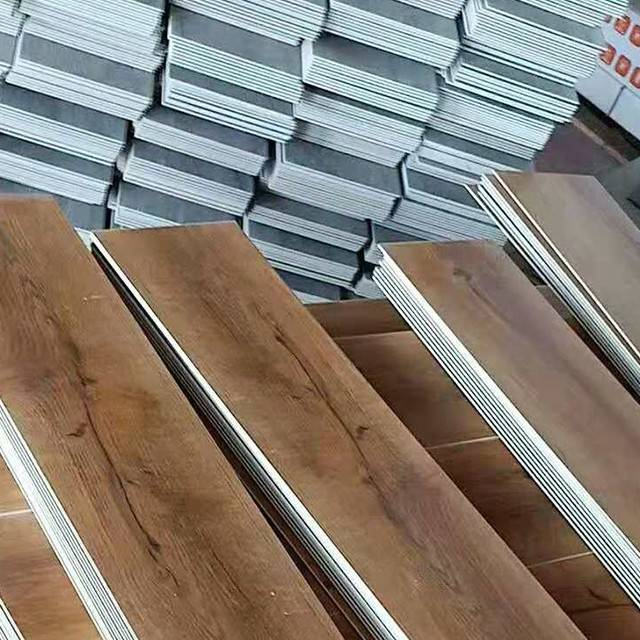 Bottom price Parquet Vinyl Flooring - China Factory Price 5mm Thick PVC Flooring 0.5mm Wear Layer Vinyl Flooring Plank – Kenuo detail pictures