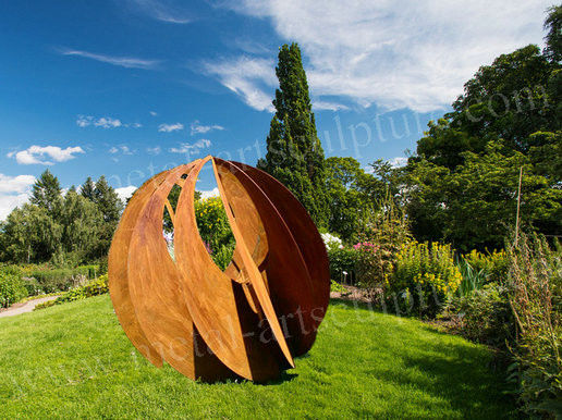 Cutting Corten Steel Sculpture Modern Pumpkin Sculpture As Exterior Decoration