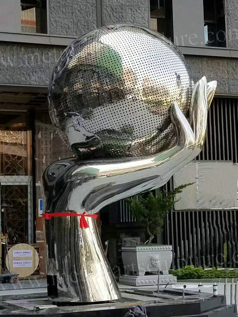 Steel Artwork Large Outdoor Statues / Metal Globe Sculpture For Residence Decoration